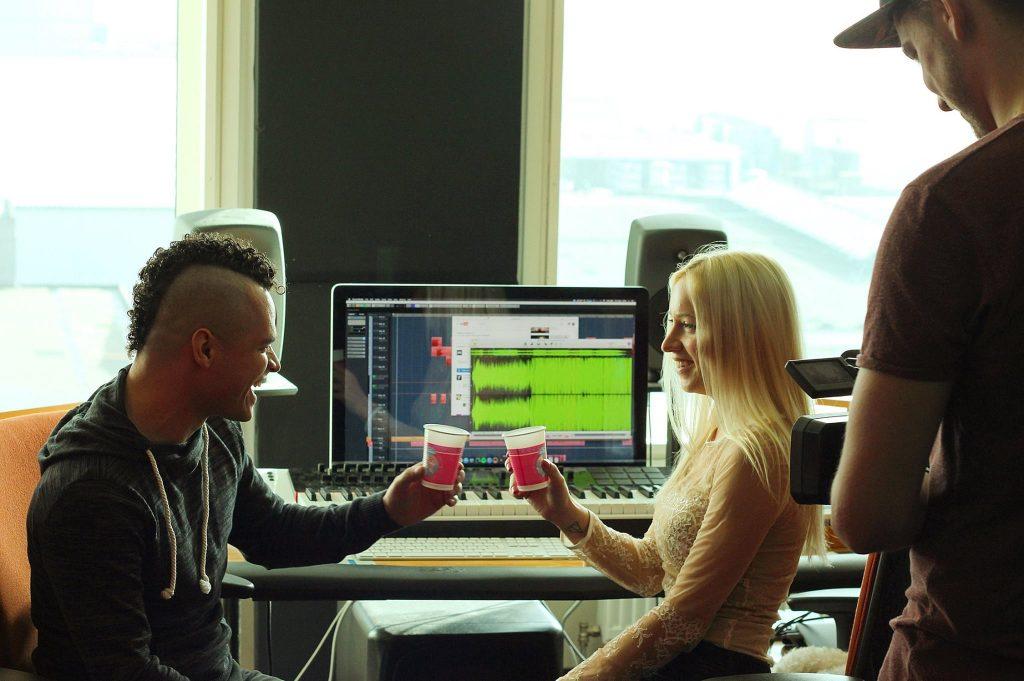 audiofreq-pornoster