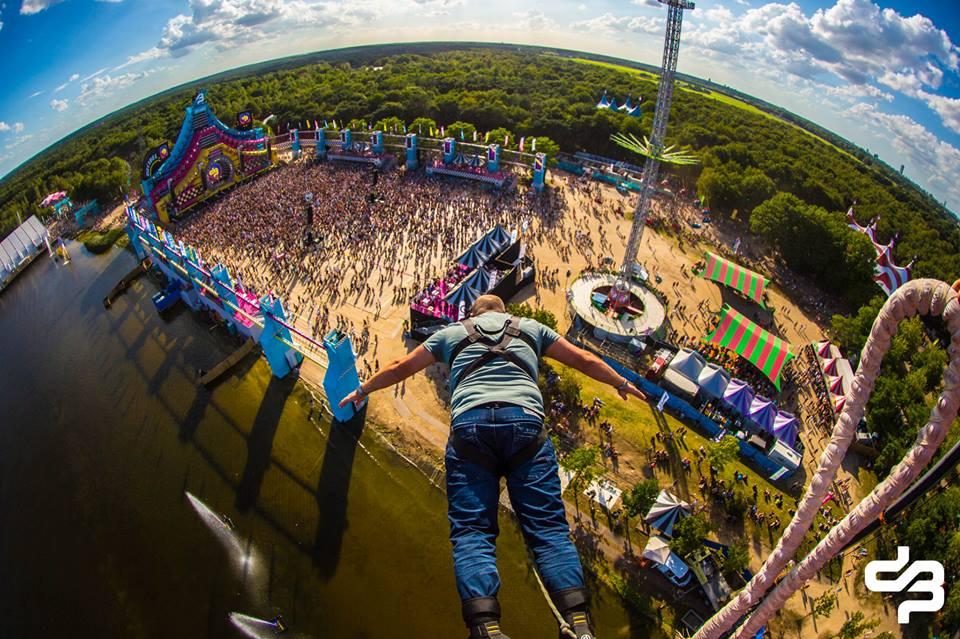 Decibel outdoor festival beekse bergen weekend hilvarenbeek hardstyle b2s